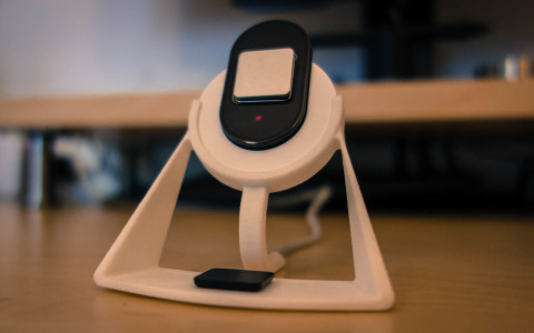 Lumo Lift charging stand